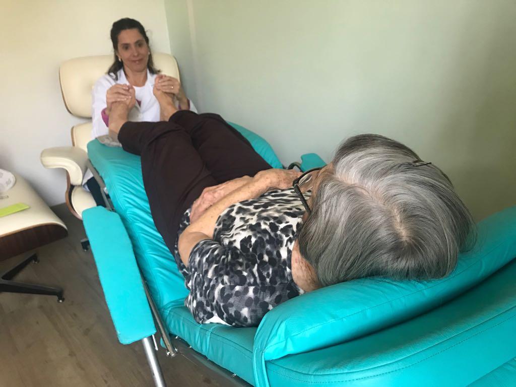Cadeira Active para reflexologistas e podólogos